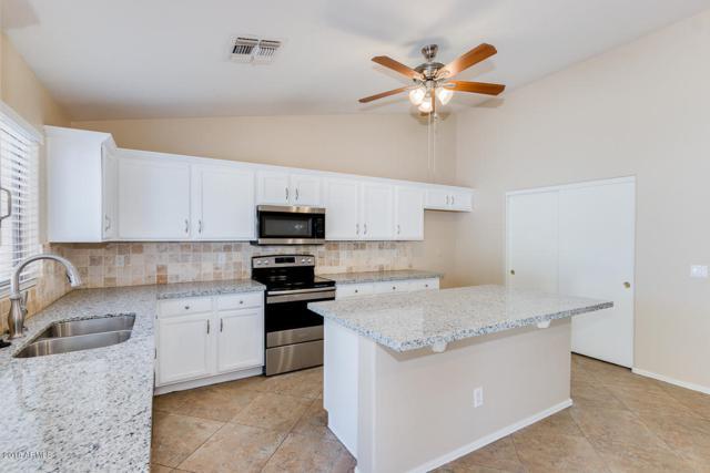 2612 N 105TH Drive, Avondale, AZ 85392 (MLS #5788455) :: The Garcia Group @ My Home Group