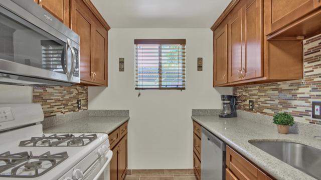 6125 E Indian School Road #144, Scottsdale, AZ 85251 (MLS #5789535) :: HomeSmart