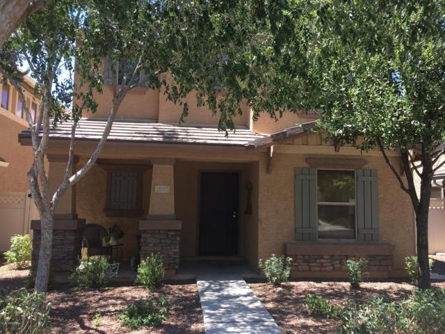 1033 S Deerfield Lane, Gilbert, AZ 85296 (MLS #5822443) :: The Garcia Group @ My Home Group