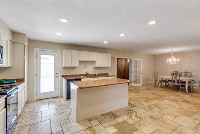 11002 N 45TH Lane, Glendale, AZ 85304 (MLS #5971913) :: Revelation Real Estate