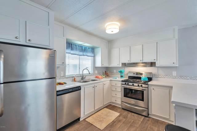 2727 E University Drive #60, Tempe, AZ 85281 (MLS #6155787) :: Maison DeBlanc Real Estate