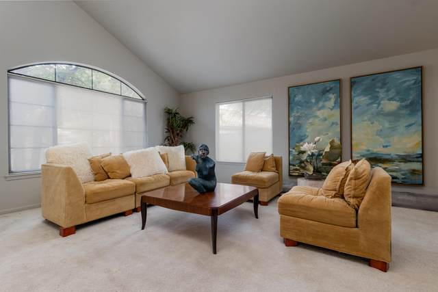 29802 N 43RD Place, Cave Creek, AZ 85331 (#6220133) :: The Josh Berkley Team