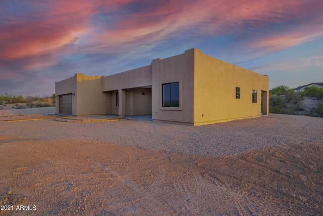 215 Paseo Montana, Wickenburg, AZ 85390 (MLS #6232501) :: Yost Realty Group at RE/MAX Casa Grande