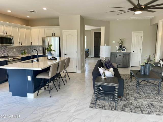 841 E La Costa Place, Chandler, AZ 85249 (MLS #6250267) :: The Everest Team at eXp Realty