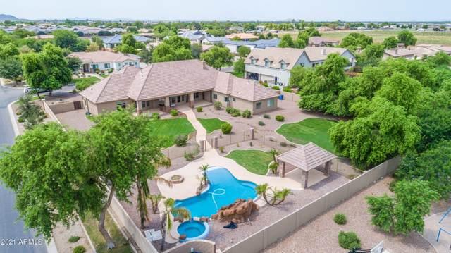 2082 E Sanoque Boulevard, Gilbert, AZ 85298 (MLS #6268477) :: Devor Real Estate Associates