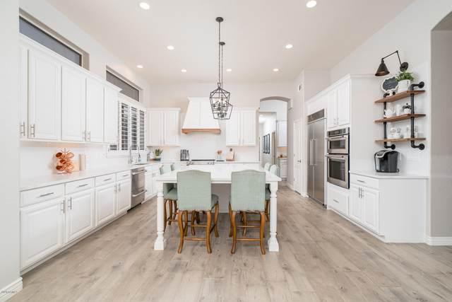 1949 E Divot Drive, Tempe, AZ 85283 (MLS #6138016) :: The J Group Real Estate | eXp Realty