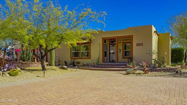 30671 S Sun Rider Way, Congress, AZ 85332 (MLS #6197772) :: Devor Real Estate Associates