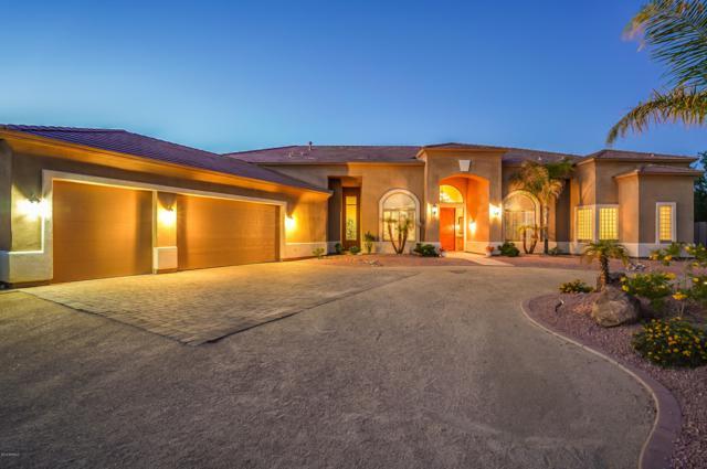 23807 N 64TH Avenue, Glendale, AZ 85310 (MLS #5746549) :: The W Group