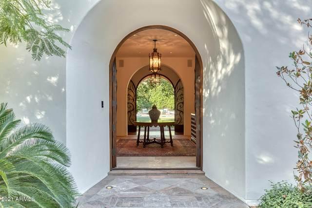 5320 N Casa Blanca Drive, Paradise Valley, AZ 85253 (MLS #6068646) :: Yost Realty Group at RE/MAX Casa Grande