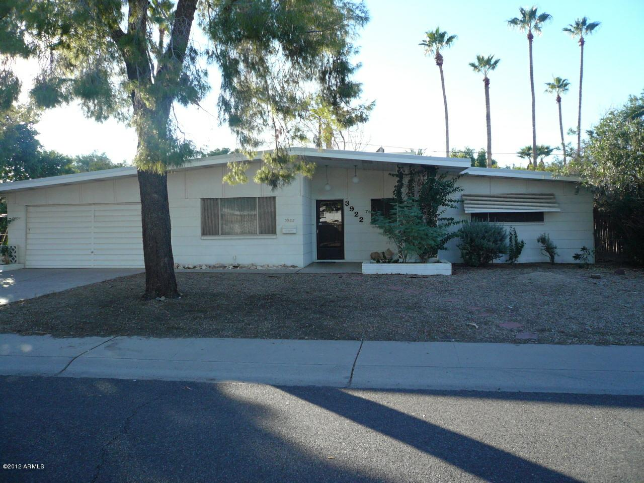 3922 E Becker Lane, Phoenix, AZ 85028 (MLS #4841840) :: The Daniel Montez Real Estate Group
