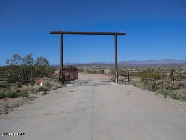 0 N Grantham Ranch Road, Wickenburg, AZ 85390 (MLS #5161035) :: Brett Tanner Home Selling Team
