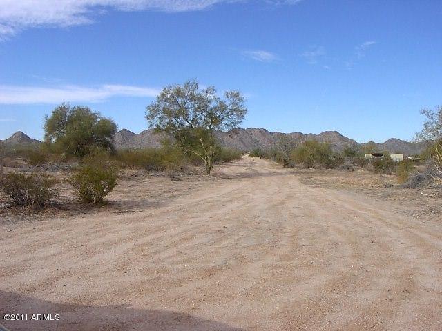 0 W Robin Road, Maricopa, AZ 85139 (MLS #5584111) :: Yost Realty Group at RE/MAX Casa Grande