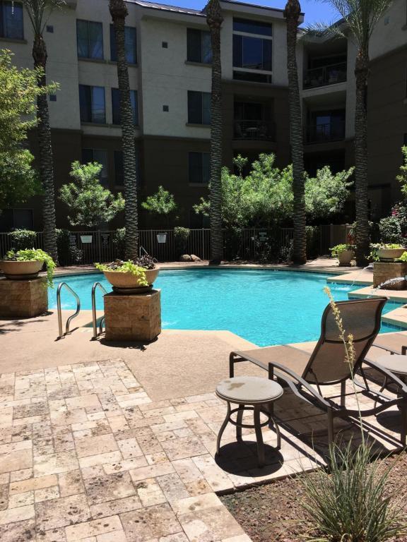 1701 E Colter Street #282, Phoenix, AZ 85016 (MLS #5621246) :: Sibbach Team - Realty One Group