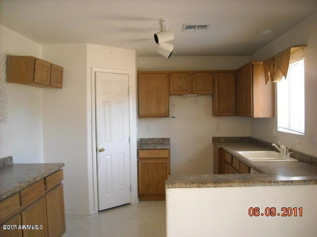 15101 N Luna Street N, El Mirage, AZ 85335 (MLS #5622460) :: Kelly Cook Real Estate Group