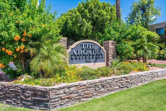 3825 E Camelback Road #111, Phoenix, AZ 85018 (MLS #5622716) :: Sibbach Team - Realty One Group