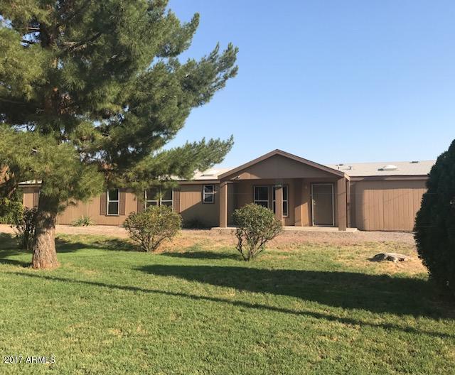 16037 W Orangewood Avenue, Litchfield Park, AZ 85340 (MLS #5623607) :: Kortright Group - West USA Realty