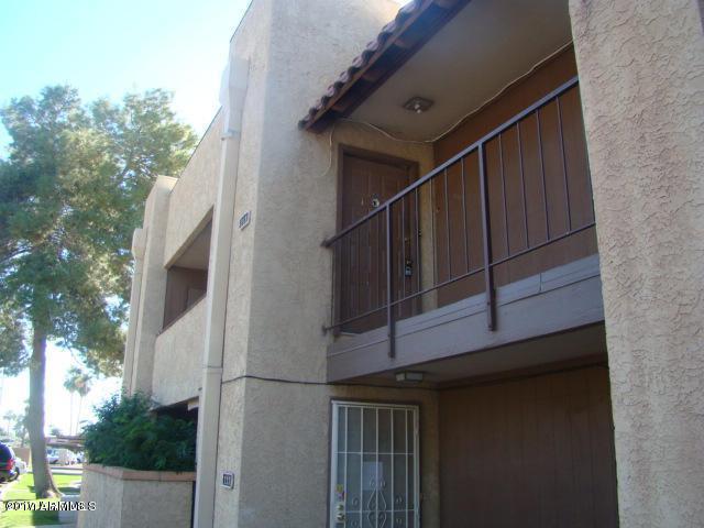 4608 W Maryland Avenue #213, Glendale, AZ 85301 (MLS #5624075) :: The Laughton Team
