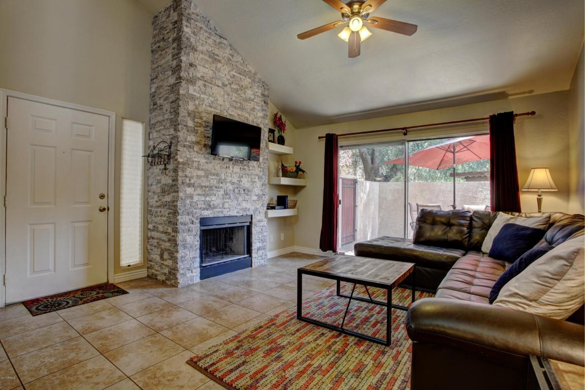 1111 W Summit Place #29, Chandler, AZ 85224 (MLS #5628829) :: Revelation Real Estate