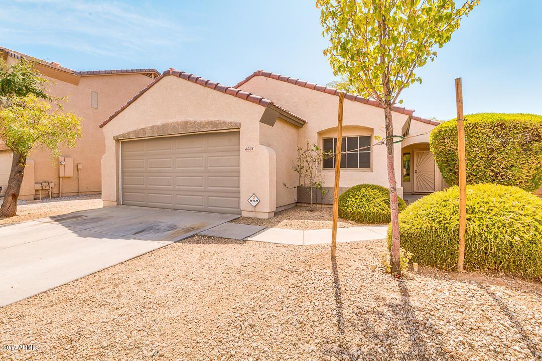 6008 S 16TH Drive, Phoenix, AZ 85041 (MLS #5631379) :: Revelation Real Estate