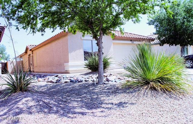 1346 E Estelle Lane, San Tan Valley, AZ 85140 (MLS #5637111) :: The Pete Dijkstra Team