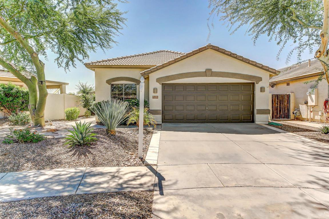 4052 S Shady Court, Gilbert, AZ 85297 (MLS #5644254) :: The Pete Dijkstra Team