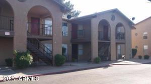 6240 N 63RD Avenue #170, Glendale, AZ 85301 (MLS #5647029) :: Kortright Group - West USA Realty