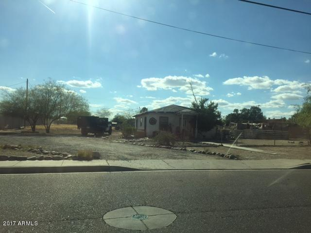 914 S 4TH Street, Avondale, AZ 85323 (MLS #5647748) :: Essential Properties, Inc.