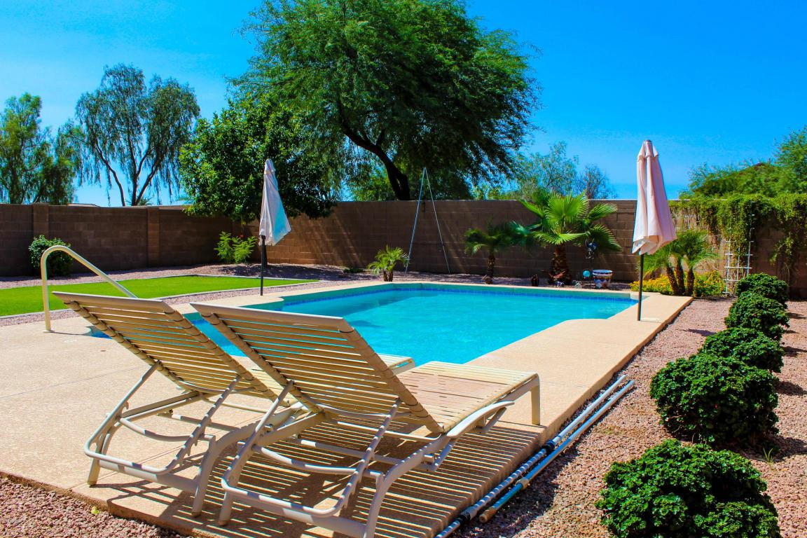 521 W Angus Road, San Tan Valley, AZ 85143 (MLS #5654520) :: Revelation Real Estate