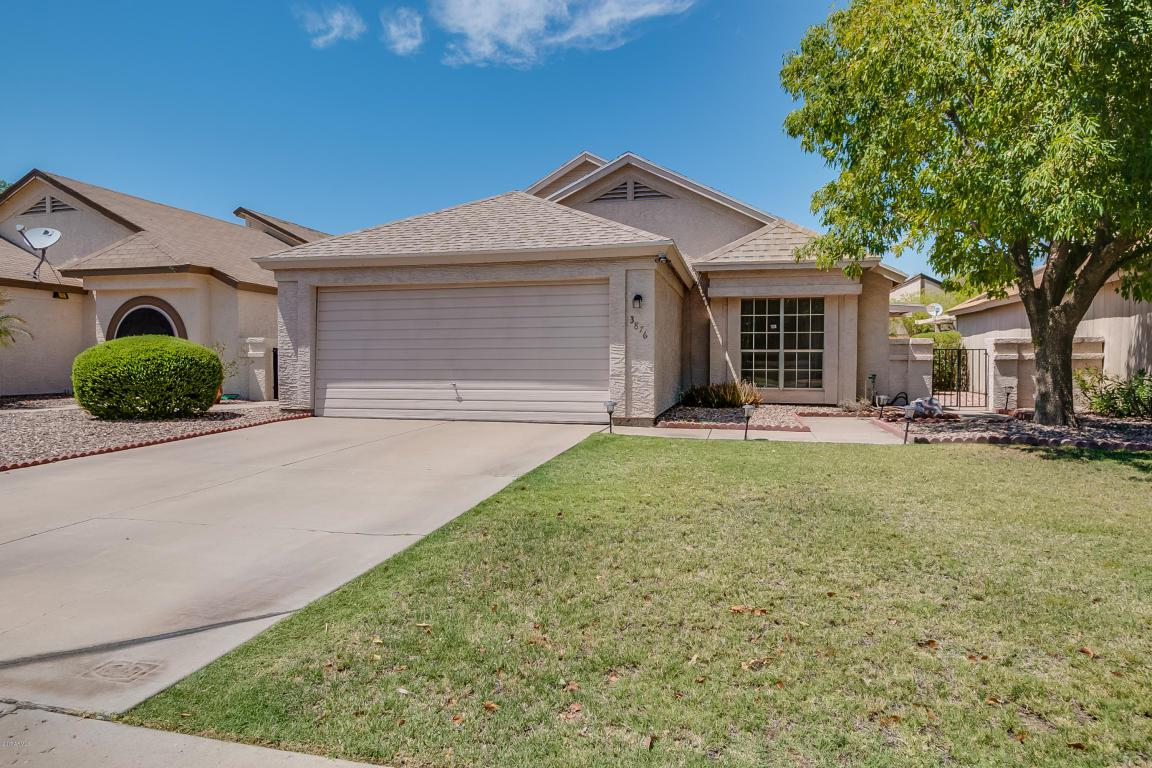 3876 W Chicago Street, Chandler, AZ 85226 (MLS #5657157) :: Revelation Real Estate