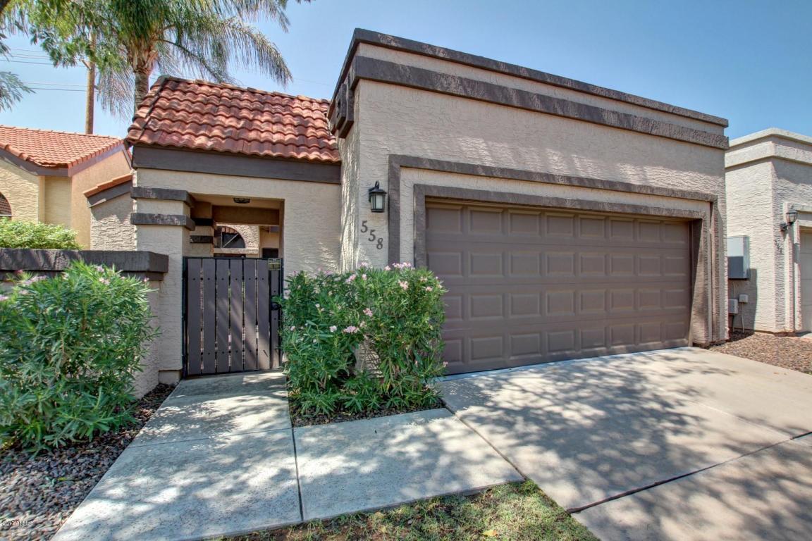 558 N Aspen Drive, Chandler, AZ 85226 (MLS #5659007) :: Revelation Real Estate