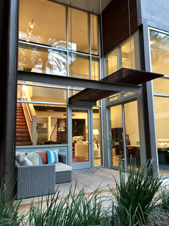 4747 N Scottsdale Road #1002, Scottsdale, AZ 85251 (MLS #5668708) :: Keller Williams Legacy One Realty