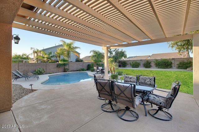 9242 W Pontiac Drive, Peoria, AZ 85382 (MLS #5669988) :: The Laughton Team