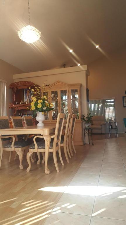 5826 N Castano Court, Litchfield Park, AZ 85340 (MLS #5680511) :: Kortright Group - West USA Realty