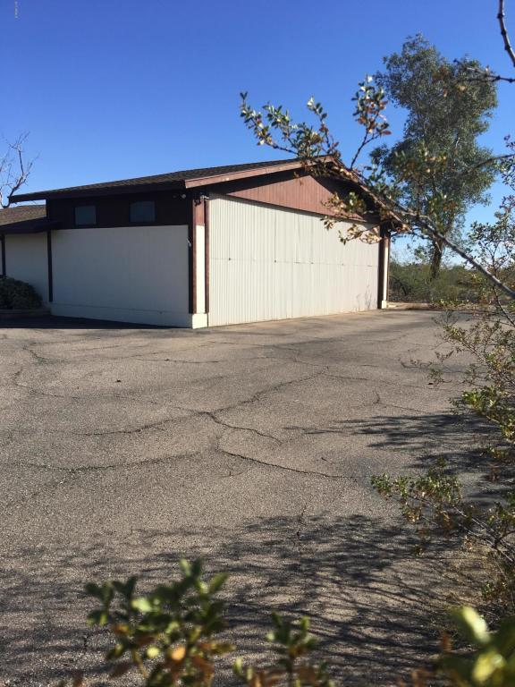 50820 W William Road, Aguila, AZ 85320 (MLS #5685305) :: The Garcia Group @ My Home Group