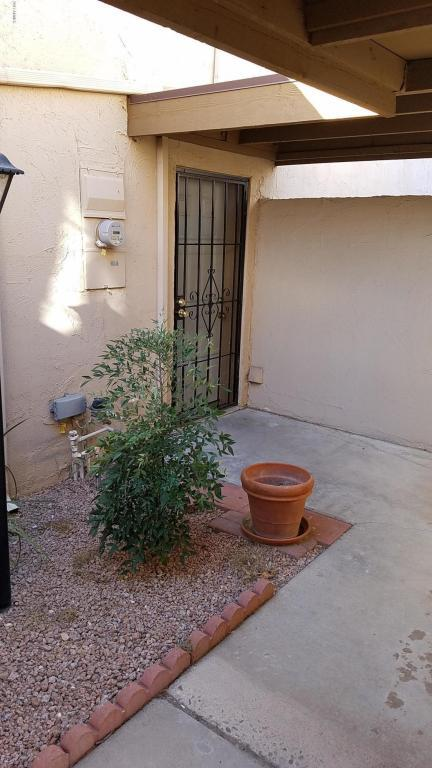 8562 E Indian School Road F, Scottsdale, AZ 85251 (MLS #5691363) :: The Everest Team at My Home Group