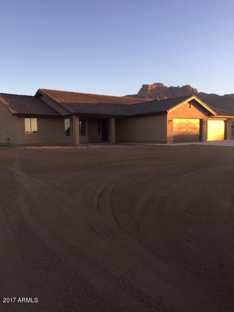 5478 E 12th Avenue, Apache Junction, AZ 85119 (MLS #5696448) :: Yost Realty Group at RE/MAX Casa Grande