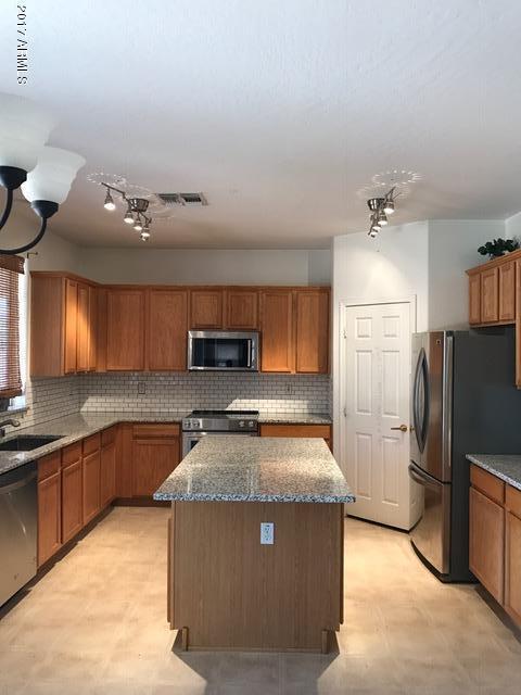 14779 N 151st Drive, Surprise, AZ 85379 (MLS #5699261) :: Brett Tanner Home Selling Team