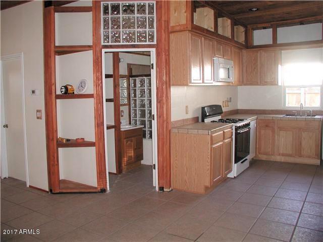 2145 W Wilshire Drive, Phoenix, AZ 85009 (MLS #5699535) :: Brett Tanner Home Selling Team
