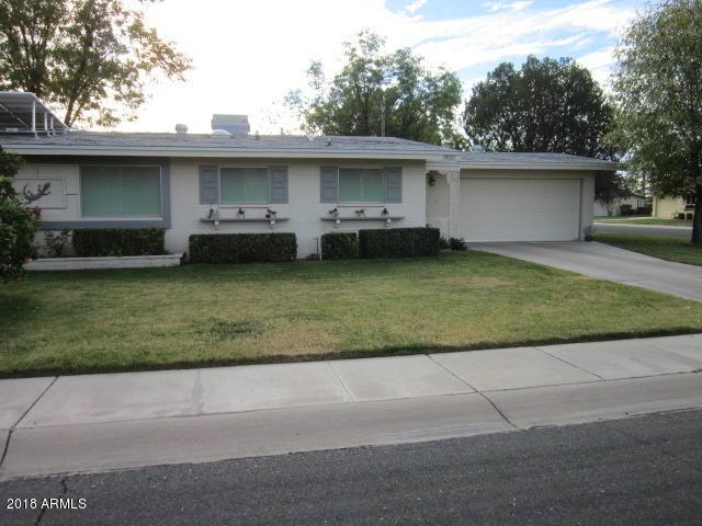 10021 W Lakeview Circle N, Sun City, AZ 85351 (MLS #5704322) :: Lux Home Group at  Keller Williams Realty Phoenix