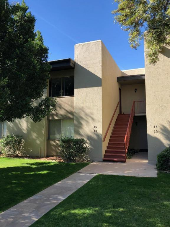4201 E Camelback Road #16, Phoenix, AZ 85018 (MLS #5711411) :: Lux Home Group at  Keller Williams Realty Phoenix