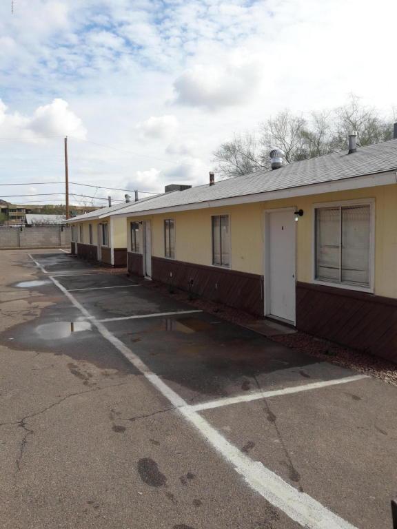 9609 N 11TH Avenue, Phoenix, AZ 85021 (MLS #5725488) :: Yost Realty Group at RE/MAX Casa Grande