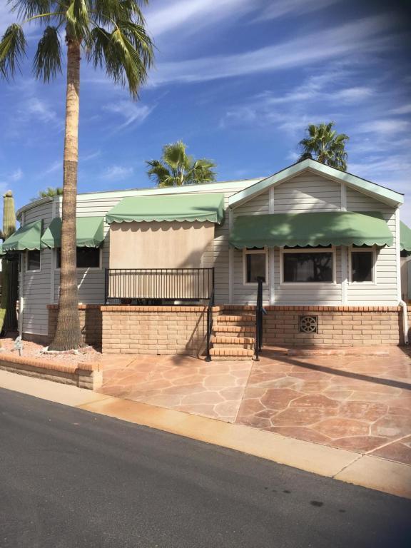 2349 S Walla Walla Circle, Apache Junction, AZ 85119 (MLS #5726033) :: Realty Executives