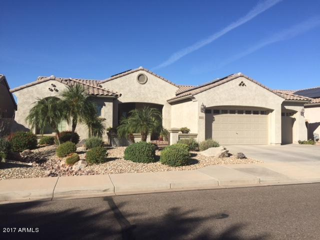 8410 N 180TH Drive, Waddell, AZ 85355 (MLS #5727108) :: Kelly Cook Real Estate Group