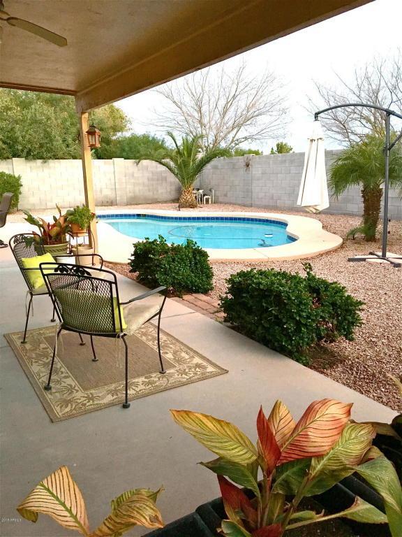 3717 E Yorkshire Circle, San Tan Valley, AZ 85140 (MLS #5727225) :: Kelly Cook Real Estate Group