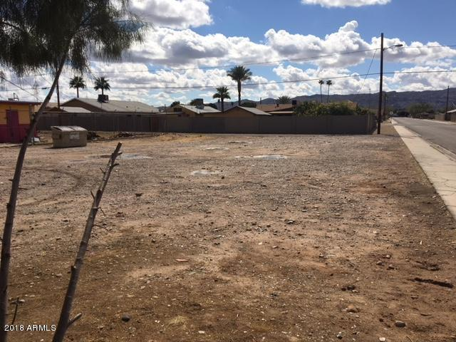 2701 E Broadway Road, Phoenix, AZ 85040 (MLS #5729785) :: Brett Tanner Home Selling Team