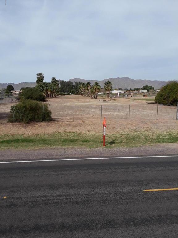 7248 N Citrus Road, Waddell, AZ 85355 (MLS #5741744) :: Kortright Group - West USA Realty