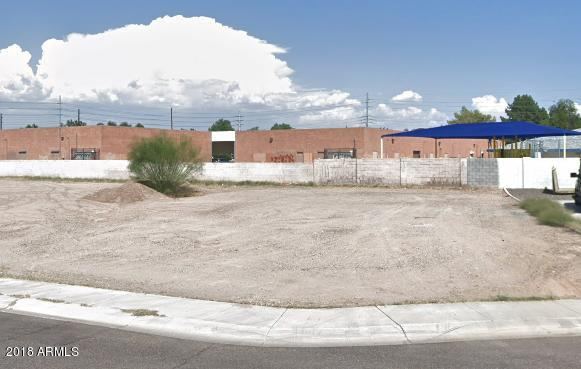 4334 W Shaw Butte Drive, Glendale, AZ 85304 (MLS #5741757) :: Kortright Group - West USA Realty