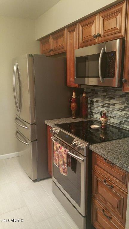 7625 E Camelback Road A112, Scottsdale, AZ 85251 (MLS #5743188) :: Brett Tanner Home Selling Team
