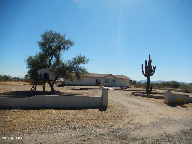 16725 W Dale Lane, Surprise, AZ 85387 (MLS #5745117) :: Sibbach Team - Realty One Group