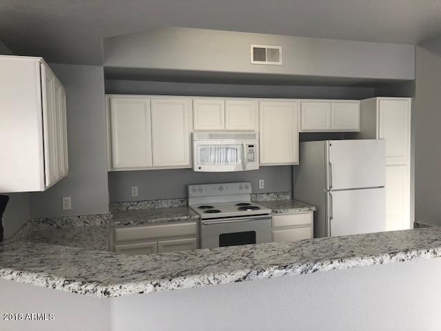 3236 E Chandler Boulevard #3095, Phoenix, AZ 85048 (MLS #5751795) :: Brett Tanner Home Selling Team